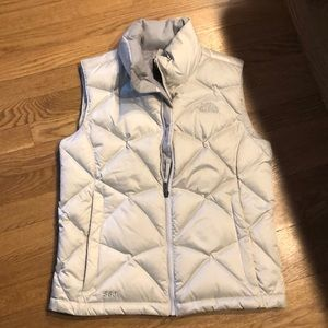 Small north face vest like brand new